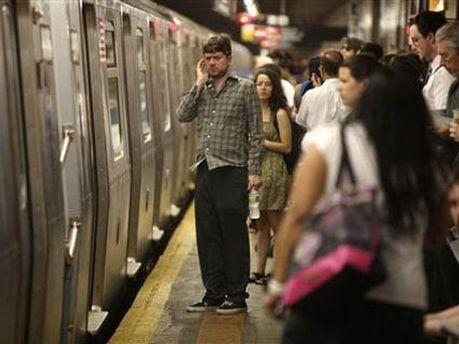Схватки начались, как только женщина зашла в метро