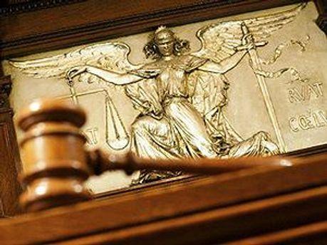 Судьи ушли в совещательную комнату