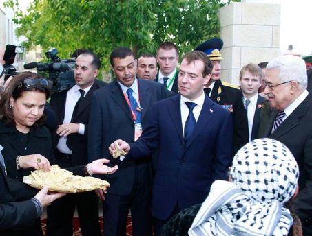 Год назад Медведев посетил Палестину