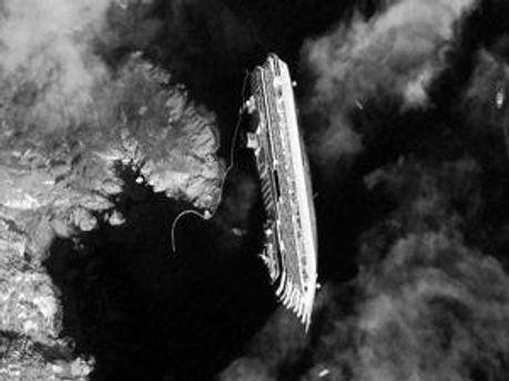 Спутниковая фотография затонувшего лайнера
