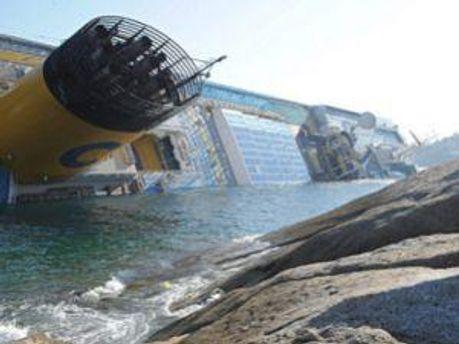 Затонувший лайнер