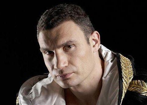 Виталий Кличко проведет бой с Чисорой 18 февраля