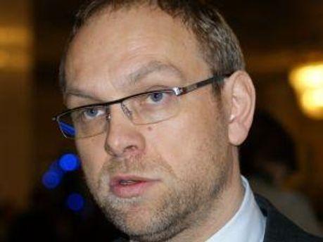 Сергей Власенко опроверг информацию