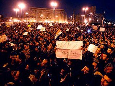 Демонстранты хотят гражданскую власть