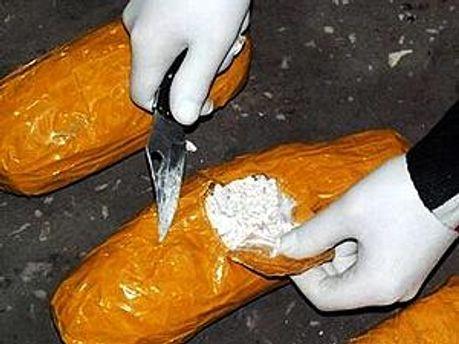 Килограмм кокаина изъяли пограничники