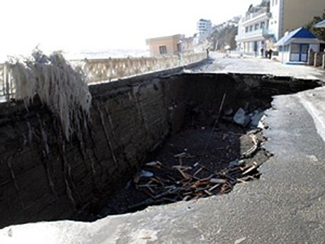 Последствия шторма в Алуште