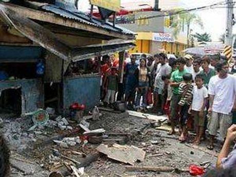 На Филиппинах погибло не менее 2 человек