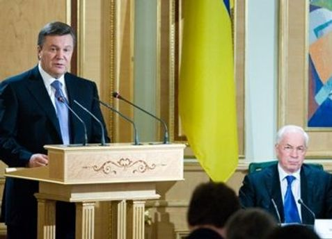 На таких заседаниях Янукович обычно критикует правительство