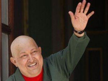 Чавес возвращается после 2 операций