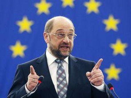 Шульц обеспокоен делами против экс-чиновников