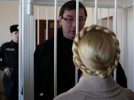 ПАРЄ вкотре просить українську владу звільнити екс-урядовців