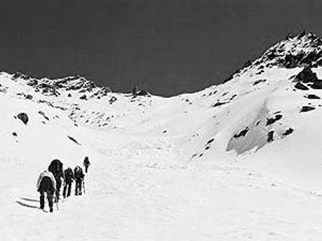 На Эльбрусе возобновились поиски