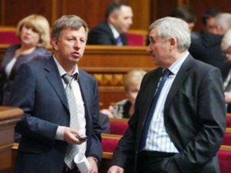 Сергей Сас справа