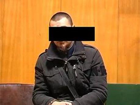 Один из насильников. Кадр из видеозаписи