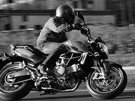 Мотоцикліст зник з місця події