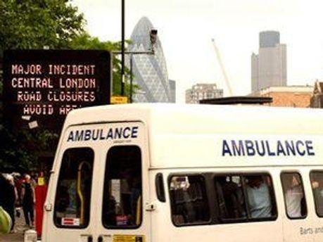 С места происшествия эвакуированы более 100 офицеров