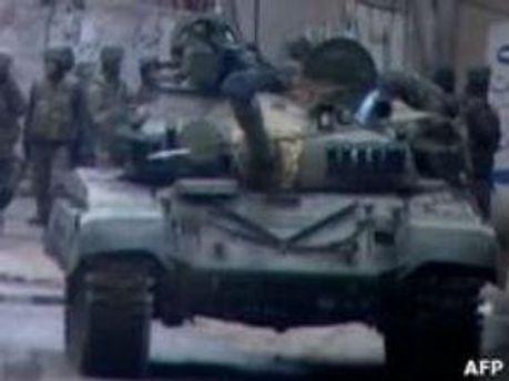 Военный танк правительства в Сирии