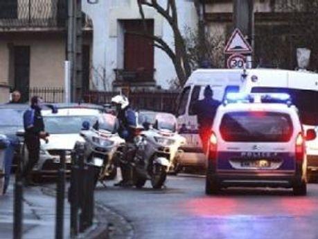 Полиция окружила дом Мохаммеда Мера