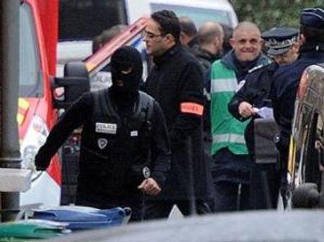 Полиция продолжает переговоры
