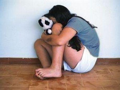 Девушку изнасиловали пятеро мужчин
