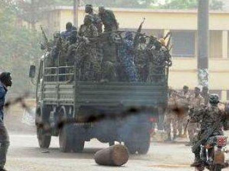 Військовослужбовці на вулицях