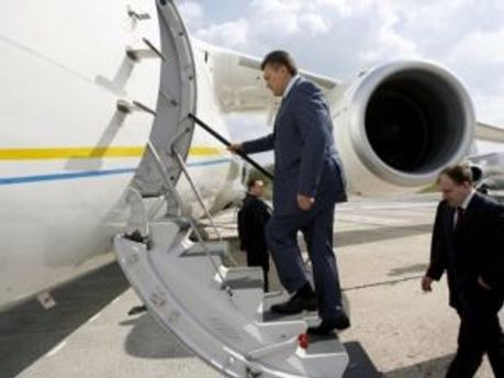 Віктор Янукович відлітає до Сеулу