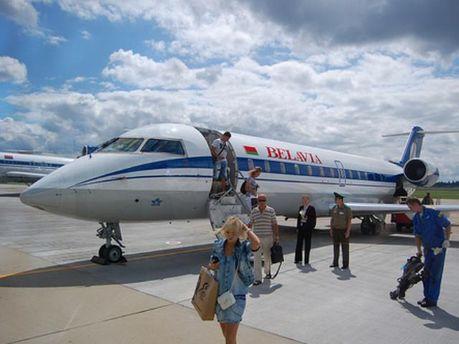 Авиапассажиры не могут вылететь из-за отсутствия разрешений на полеты