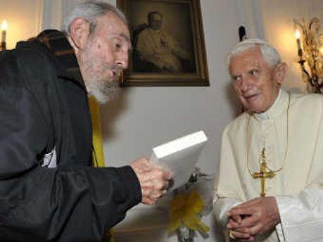 Фідель Кастро та Папа Римський Бенедикт XVI