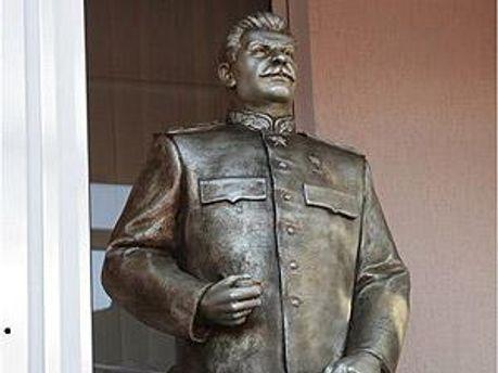 Памятник Сталину в Запорожье