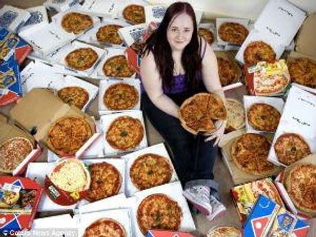 Фанатка пиццы София Рей