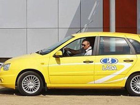 Владимир Путин за рулем Lada Kalina