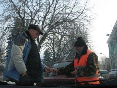 Паркувальники в Україні тепер поза законом