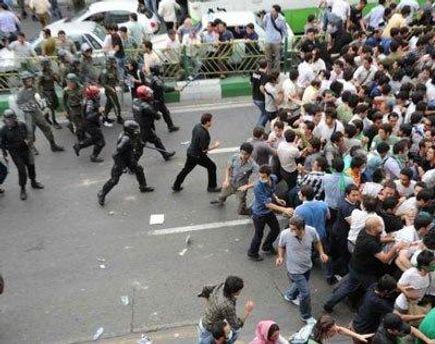 Акції переросли в сутички у декількох містах Сирії