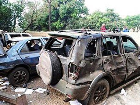 Взорвались два заминированных автомобиля