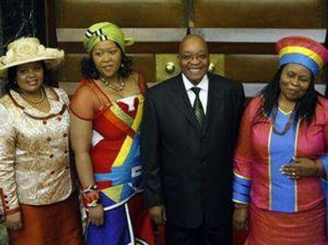 Джейкоб Зума с женами