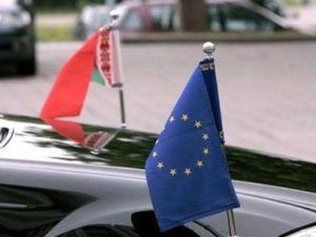 Прапори ЄС та Білорусі
