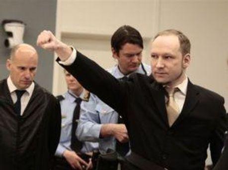 Андерс Брейвік у залі суду