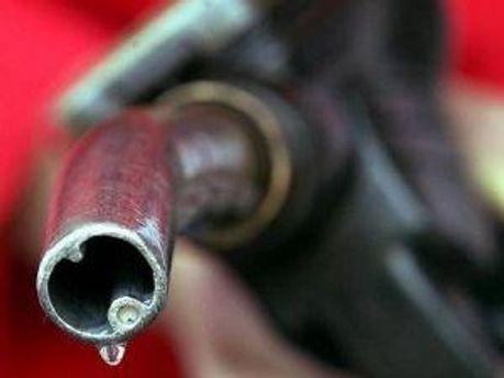 Кабмін купив бензину на 4 мільйони