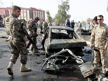 Место взрыва в Багдаде