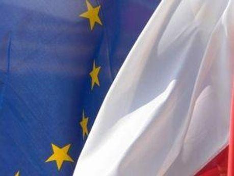 Прапори Білорусі та ЄС