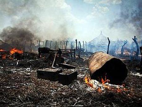 Пожар после бомбардировки