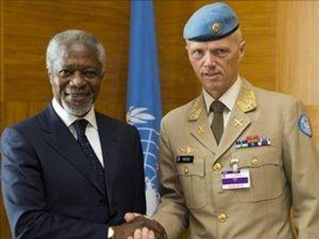 Кофи Аннан и Роберт Муд