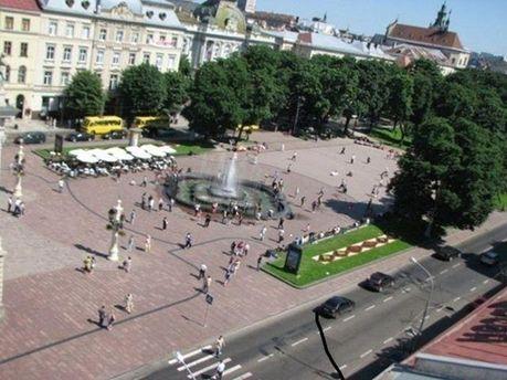 Центр Львова превратят в фан-зону