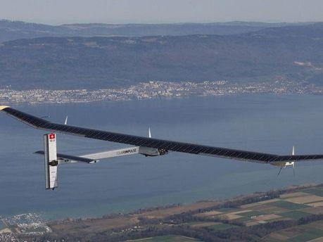 Самолет успешно перелетел Гибралтар
