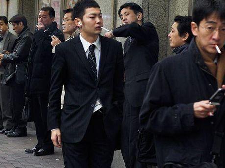 Курильщики в Японии