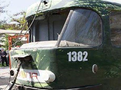Трамвай во время взрыва в апреле