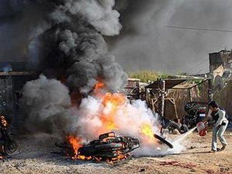 Огонь после авиаудара