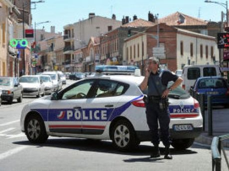Французские полицейские