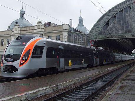Потяг Hyundai у Львові