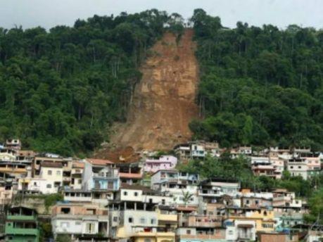Зсуви ґрунту в Бангладеш